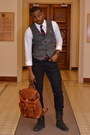 Black-leather-j-shoes-boots-black-levis-jeans-brown-leather-vintage-bag