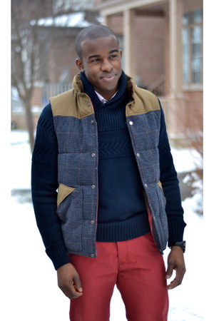 navy cable knit H&M sweater - red H&M vest - H&M pants