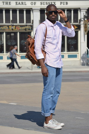 white Converse shoes - blue Levis jeans - white banana republic shirt