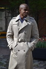 Tan-trench-coat-vintage-coat-gray-sperrys-boots