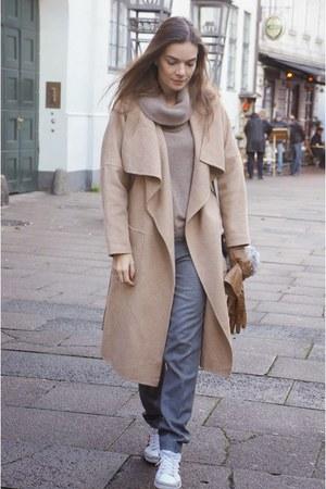 camel Zara coat - off white Alexander Wang bag