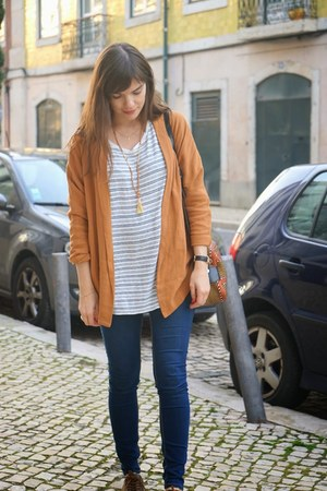 mustard eseoese blazer - navy H&M jeans - white Oysho sweatshirt