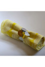 Yellow-scarf