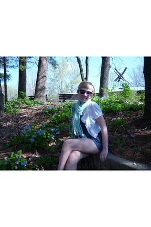 light blue scarf - white shrug jacket - bubble gum pink blue sunglasses
