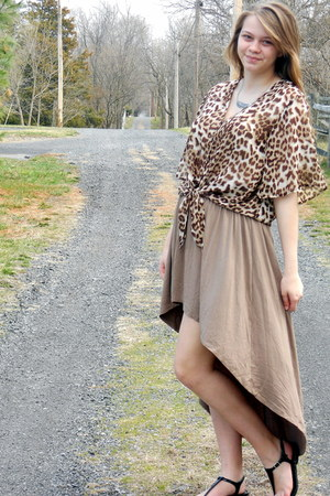 brown mullet Nasty Gal skirt - nude leopard Nasty Gal blouse - black kohls sanda