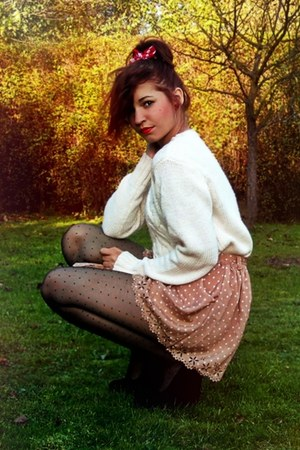 ivory Secondhand sweater - nude shorts - black wedges