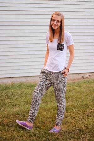 tribal Ross pants - sneakers Keds shoes - tshirt Ross shirt