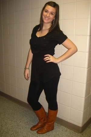 Forever 21 top - Express leggings - boots