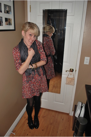 isaac mizrahi dress - f21 scarf - Target shoes - belt