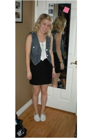 Levis vest - Target shirt - f21 skirt - Topshop shoes