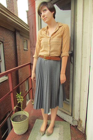 tan thrifted blouse - heather gray thrifted Trina Turk skirt