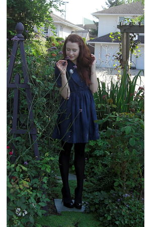 blue vintage dress - black H&M tights - black Aldo shoes - blue Cameo from my Gr