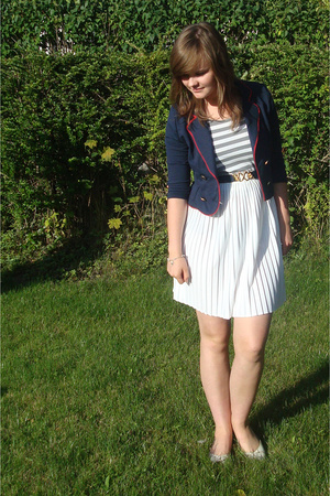 second hand skirt - eve t-shirt - H&amp;M blazer - second hand belt