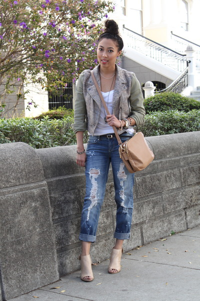 white tank top Nordstrom top - blue boyfriend jeans indigo rein jeans