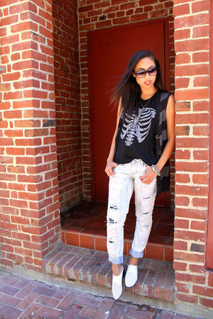 black sleeveless brandy melville top - white mules Shoedazzle shoes