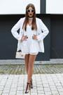 White-gamiss-bag-black-zaful-heels-white-zaful-jumper