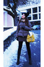 Black-with-pon-pon-conte-of-florence-hat-gray-with-fluff-stefanel-jacket