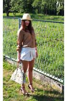 cream Tommy Hilfiger hat - beige snake skin vivienne westwood bag