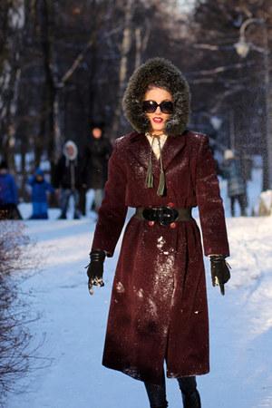 brick red burgundy Deni Cler coat - black reserved leggings - crimson Prada bag
