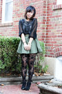 Gold-jewelmint-bracelet-black-rose-print-forever-21-tights