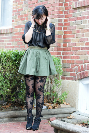 black rose print Forever 21 tights - olive green a-line H&M skirt