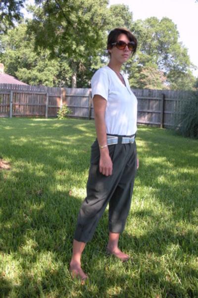Hanes T-Shirt shirt - Urban Outfitters pants - Aeropostale belt - shoes