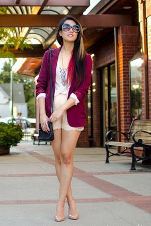 maroon kent Aritzia blazer - neutral scallop Sabine shorts