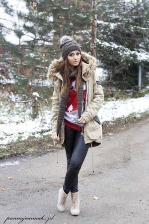 camel Bershka blouse