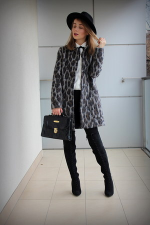 gray Zara coat - black deezee boots - black Zara hat - black Zara leggings