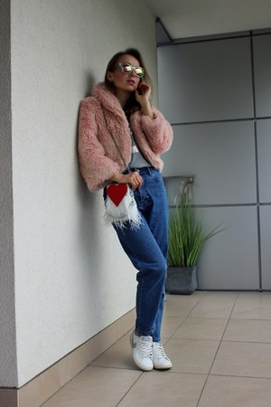 teal Zara jeans - bubble gum second hand jacket - red sammydress bag