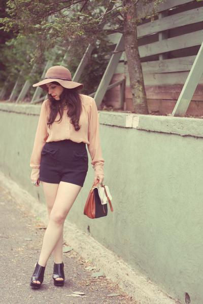 Kardashion Kollection hat - black Forever 21 shorts - neutral vintage blouse