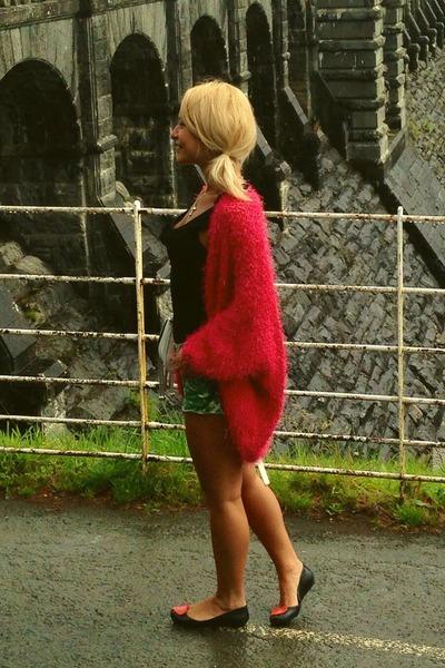 green River Island shorts - H&M top - hot pink River Island cardigan