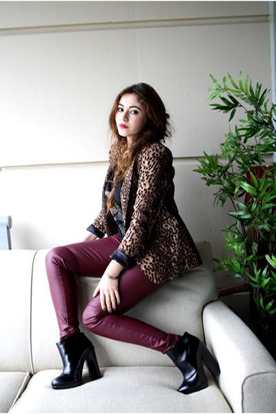 black Zara boots - brick red H&M pants