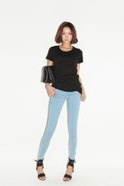 light blue jeans - black shirt