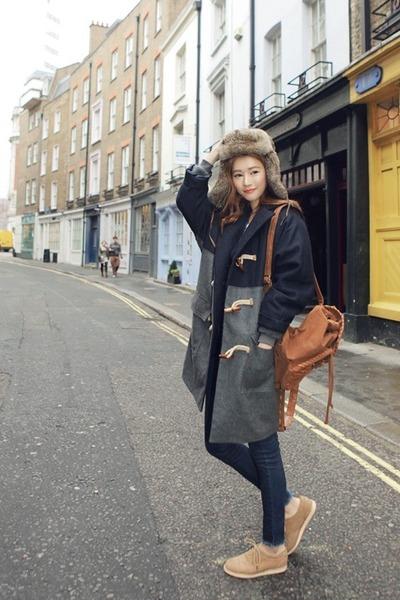 navy coat - bronze bag