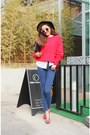 Navy-jeans-red-sweater