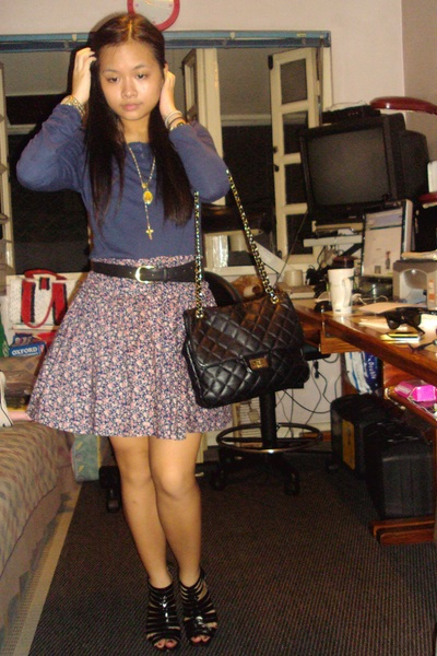 Plain t-shirt - bangkok skirt - leather belt - ichigo shoes - Vatican accessorie