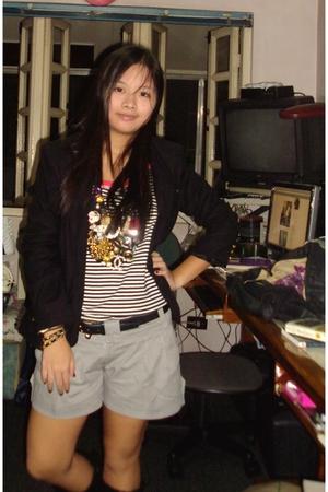 Chico top - forever 21 blazer - DIY necklace - bangkok shorts - random belt - Fi