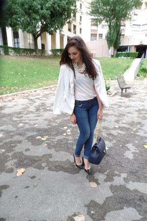 white Zara blazer - blue Bershka jeans - navy Parfois bag