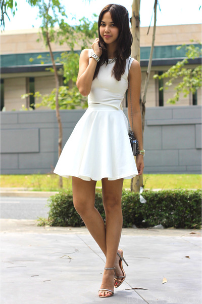 white skater apartment 8 skirt - black Yventually bag