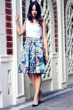 floral H&M skirt - rockstud Valentino heels