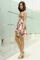 floral apartment 8 dress - beige Aldo heels - gold sm accessories necklace
