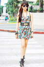 Floral-printed-forever-21-dress-black-vintage-lanvin-bag-black-dolce-vita-he