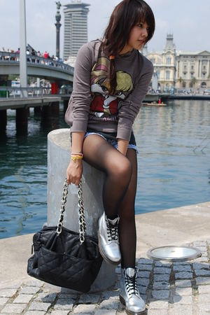 brown pull&bear - black H&M - abercrombie and fitch shorts - silver doc martens