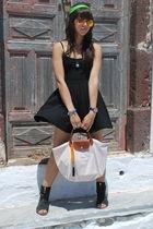 black scarf - black Forever 21 - beige longchamp - black Zara - Billabong - Ray