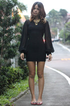 black chiffon sleeved Tomato dress - gold Celine necklace