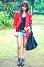 Red-blazer-black-cotton-on-black-belt-urban-outfitters-shorts-black-soul