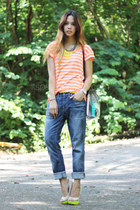 orange neon striped Gap t-shirt - beige Primadonna pumps