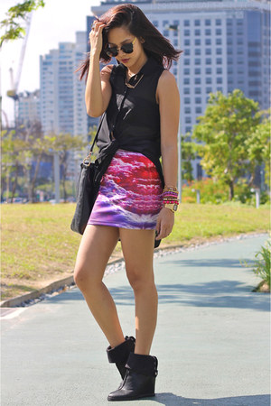 hot pink cloud printed WAGW skirt - black Pedro boots - black Gucci bag