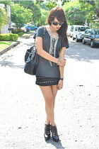 black studded Wisdom skirt - black pull&bear bag - gray H&M t-shirt